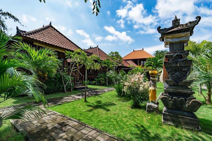 Best location Wood Villa  Near Dream Beach