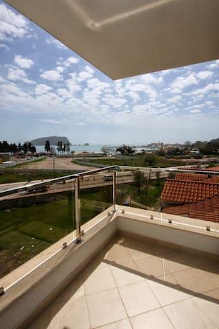 Sea view, 1-bedroom, 4 persons, 50m to beach (197) - Budva - Flat