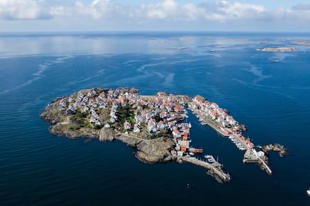 Island living in archipelago - Åstol