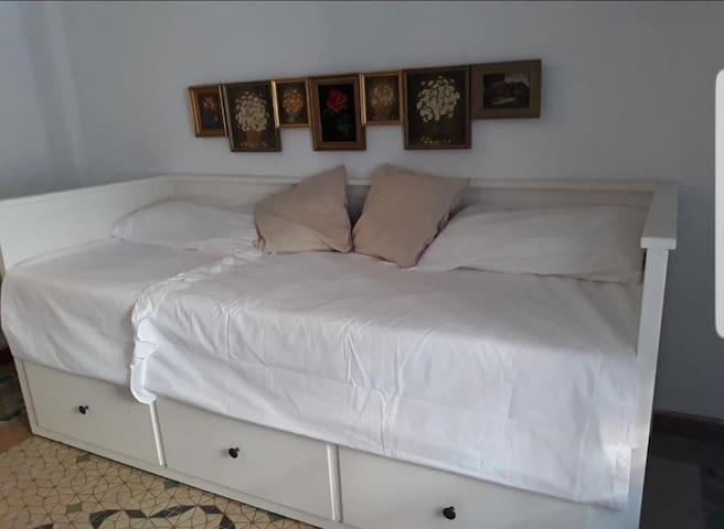 Sofá cama dormitorio 3