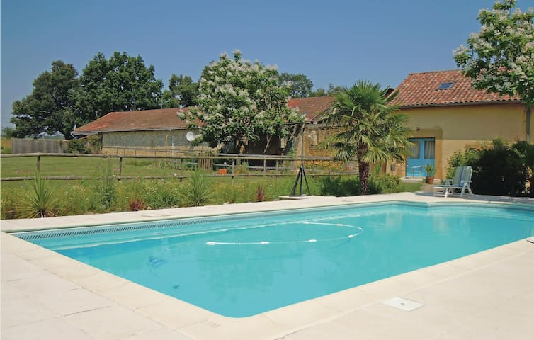 Semi-Detached with 2 bedrooms on 128m² in Crouseilles