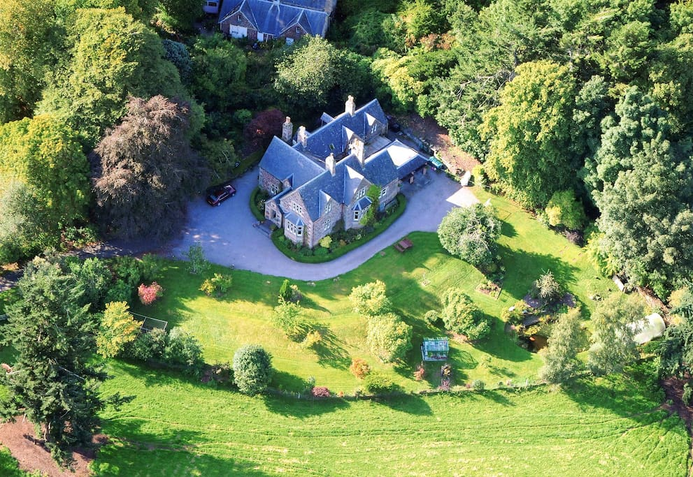 Ariel view of Nutwood House and The Lodge