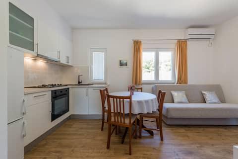 Flat, separate bedroom, 2 balconies, sea view 2+1