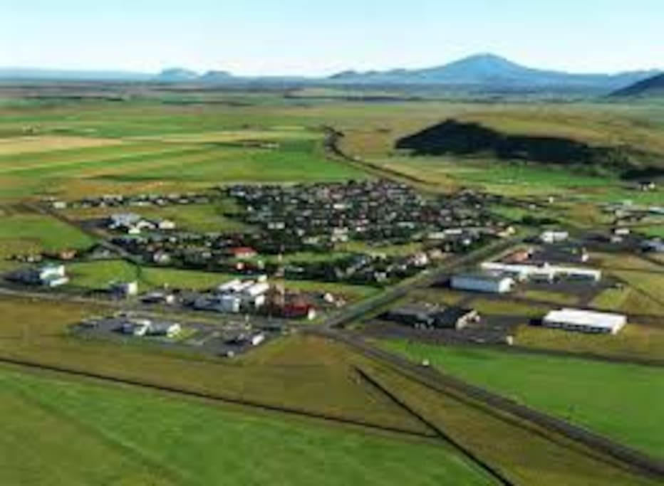 The village of Hvolsvöllur is located in the heart of the South Coast. It is perfectly located for your travels in Iceland only a short distance from many of the best sites in the country. The old saga of Njála happened right here.