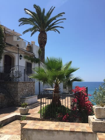 Incantevole terrazza sul mare