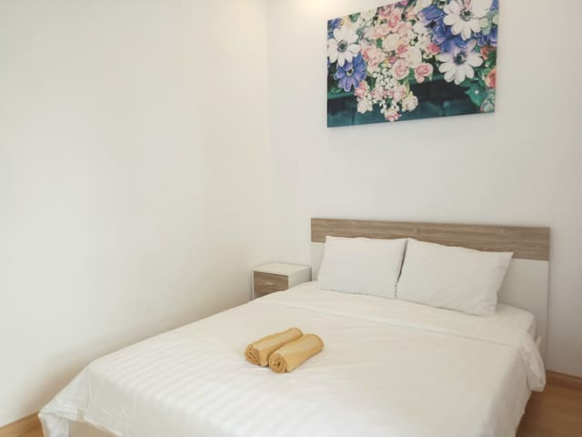 Cosy 2 bedroom apartment in Vung Tau Melody, few steps to Back Beach.