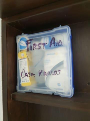 Botiquin basico de emergencia / first aid