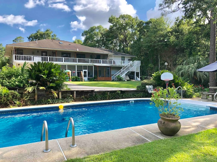 Voice of the Wild - 2,000 sq ft/3BR/Pool/Creek