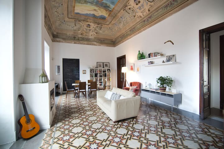 Apartment in the heart of Catania - Catania - Leilighet