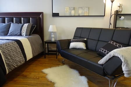 Spacious and Sunny Studio apartment right in the Heart of Midtown Manhattan. Within 5min walking distance to major tourist attractions like Times Square, Broadway Theaters, Columbus Circle and Main Entrance to Central Park.