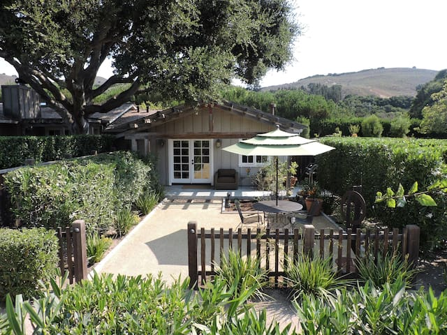 Mid Carmel Valley Cottage Great Location