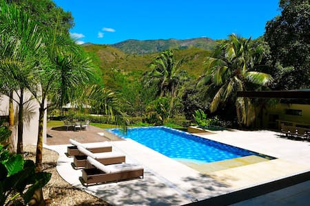 Tropical Private Villa! Up to 20 guests. - 아풀로(Apulo) - 단독주택