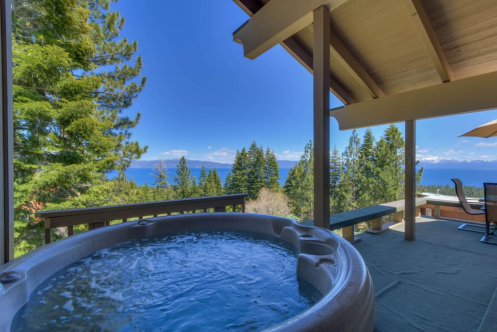 Enjoy great Lake views from the hot tub too!