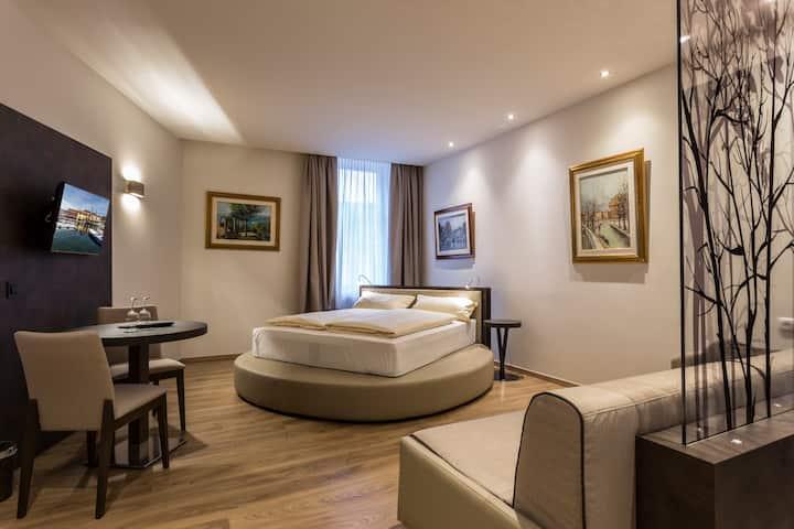 Dreibettzimmer Superior barrierefreies Badezimmer