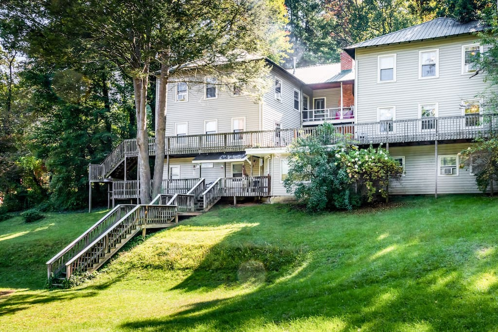 This historic lodge is tucked back in the Blue Ridge Mountains with direct access to Lake Junaluska, nature trails, gardens, museums, and a golf course.