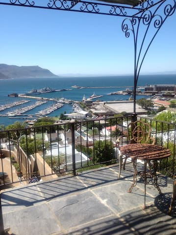 Spacious studio apartment with stunning views - Cape Town - Huoneisto