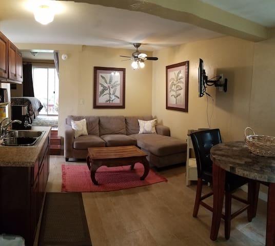 Affordable Del Mar Back Cottage