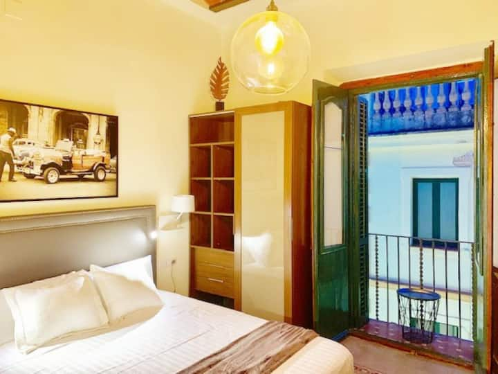 Beautiful studio with balcony in the best place 2