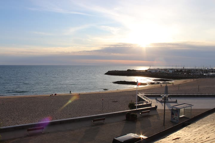 Appartement vue mer, accès direct à la plage
