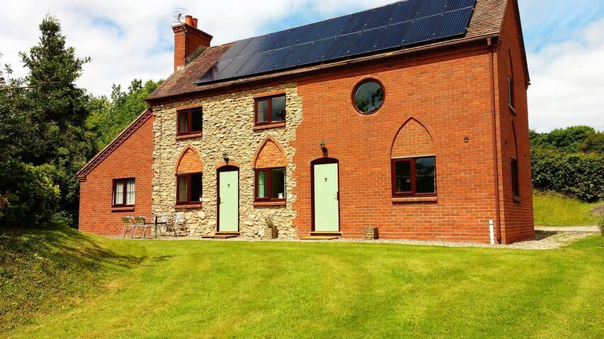 Cowslip Cottage, Garden Flat,  ground floor