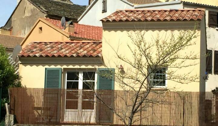 Mini villa avec jardin privatif et terrasse