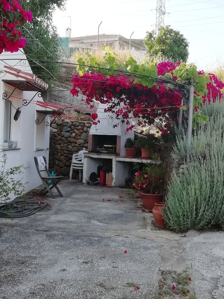 Nice house with terrace & Wifi