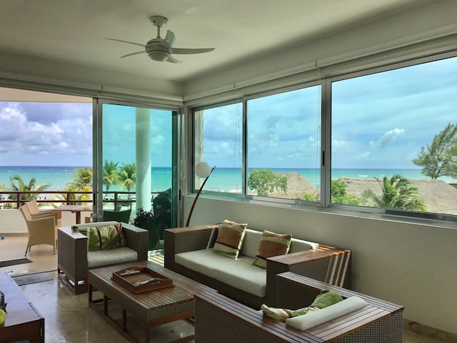Oceanfront 2B/2ba with Magnificent views