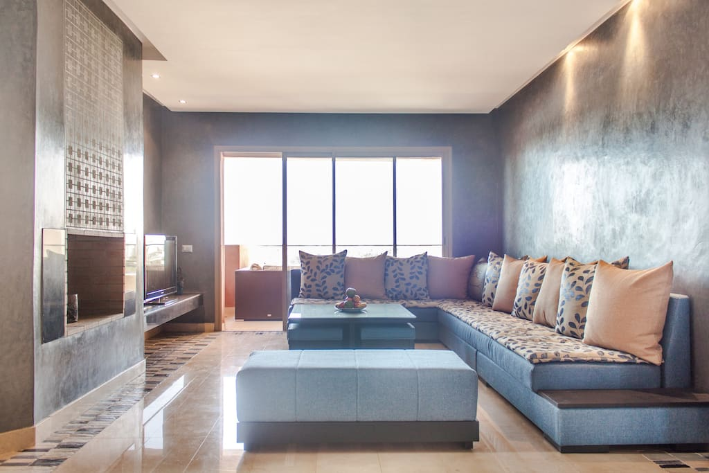Bright living and sitting area
