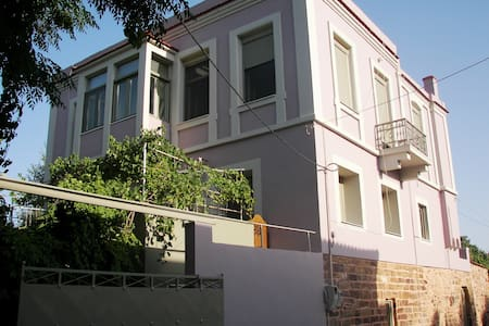 Affordable mansion with view - Chios - Ház