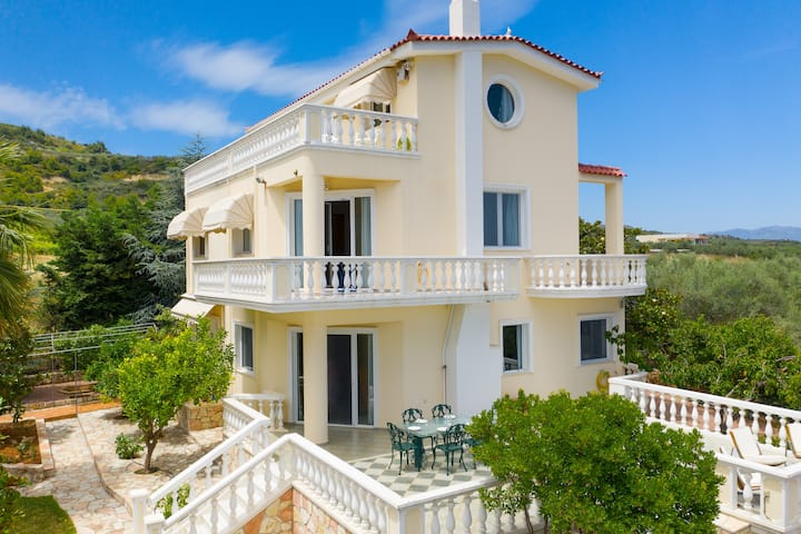 Villa Stella: A dream house in Κiato, Korinthos