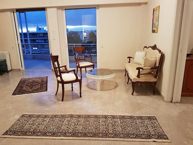 Spacious appartment on Kiffisias Avenue