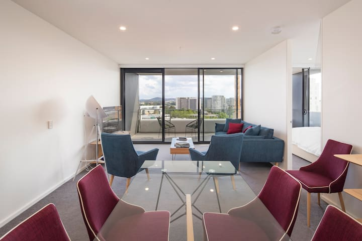 Executive luxury heart of the city stunning views