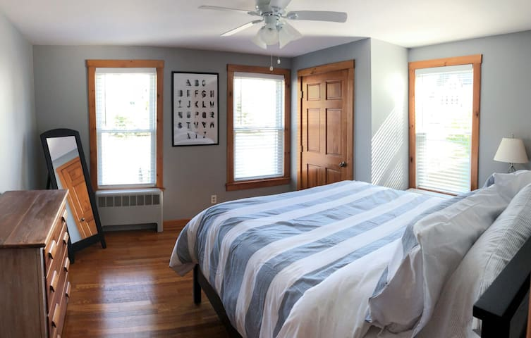 Bright, fully-renovated home close to downtown.