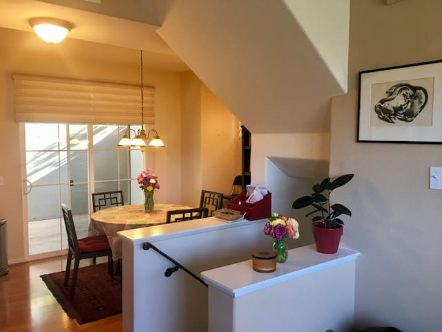 Room for Rent in Cute 3 Bd SYV Condo - Buellton - Wohnung