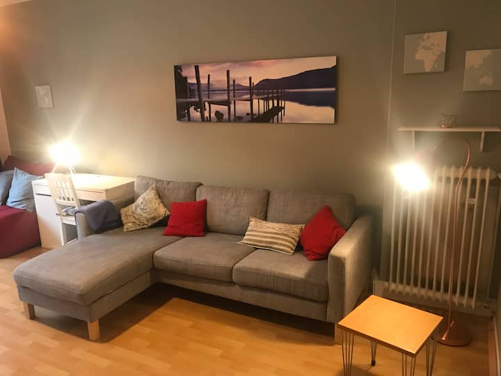 Cozy Apartment for 4, top location, central, WiFi!