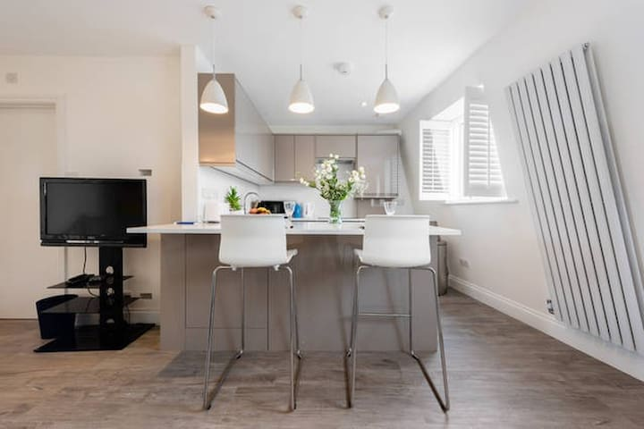 Modern 1 Bedroom Flat