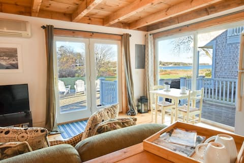 #446B: Cute Cottage living by the sea! Cozy, perfect summer spot for two!
