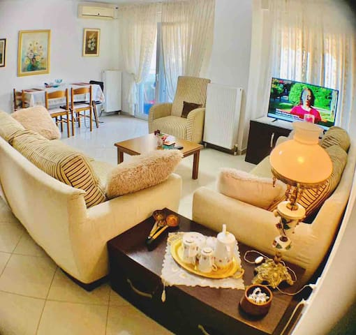 Comfy and Centralized apartment in Thessaloniki
