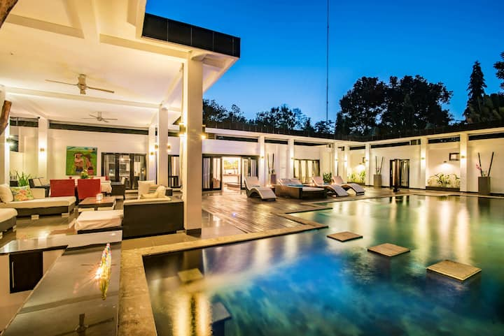 Stunning Villa Lily Lovina.
