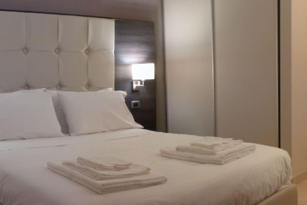 Tutte le camere sono dotate di biancheria sempre candida e sanificata, con 4 cuscini per un massimo comfort