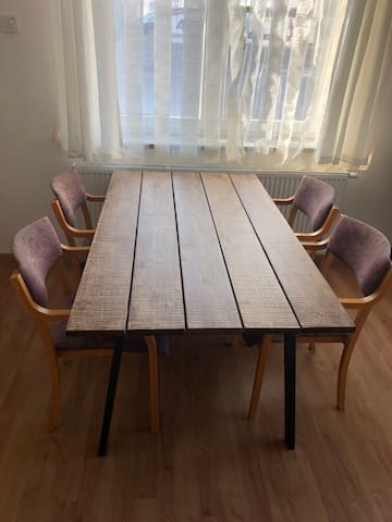 Table for all!