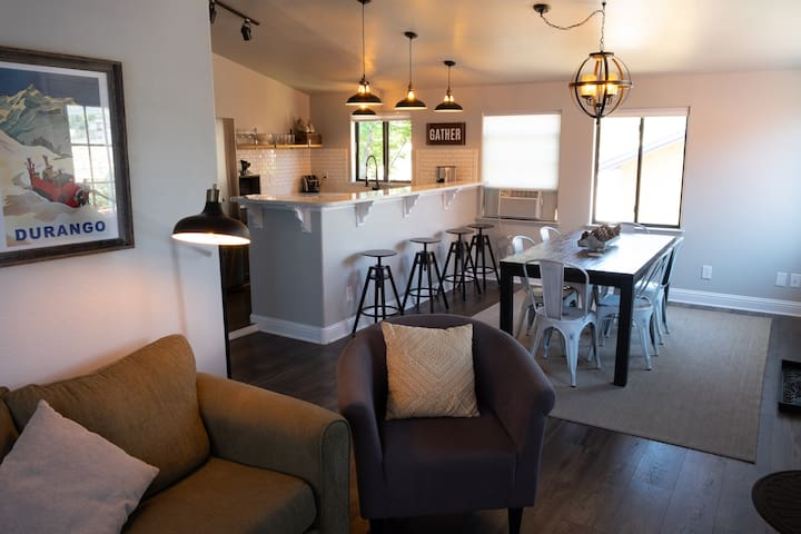 Main Street Retreat (loft) - Downtown Durango