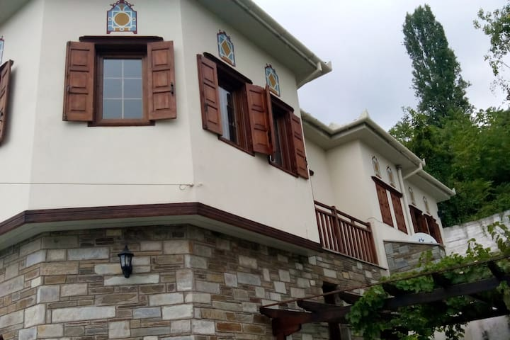 Beautiful, luxurious house with a stunning view - Makrinitsa