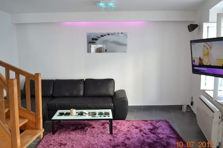Maison meublé 'tous confort' 01500 - Château-Gaillard