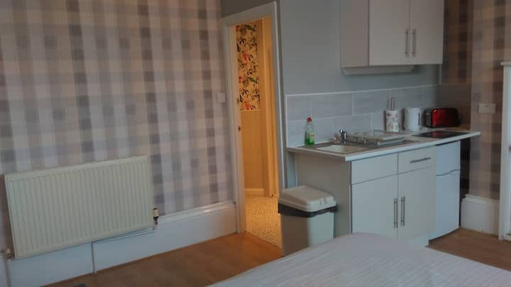 Ground floor Studio Apartment Flat 3