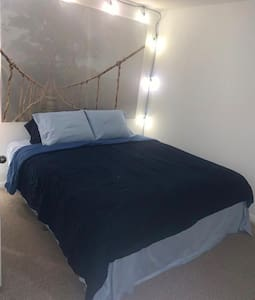 Beautiful and Comfortable Room to feel at Home
