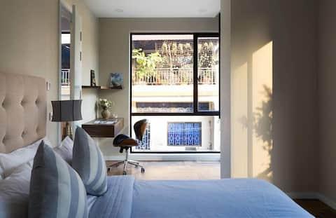 Award Winning 2-Bedroom Apartment Tonle Bassac
