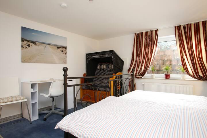 2 Zimmer  möbiliert  im Doppelhaus zu mieten