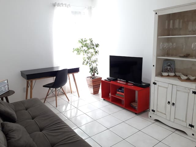 Apartamento com garagem na Central do Kobrasol