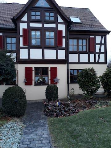 Zur Buche : 91459 Linden Hauptstaße 43